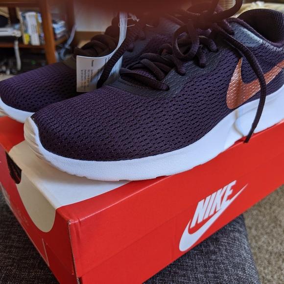 Nike Shoes | New Womens Nike Tanjun